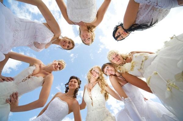 vestido-de-noiva-quem-deve-acompanhar-a-noiva-na-escolha-do-vestido